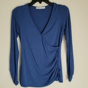 Blue long sleeves top, Euc, made in Canada